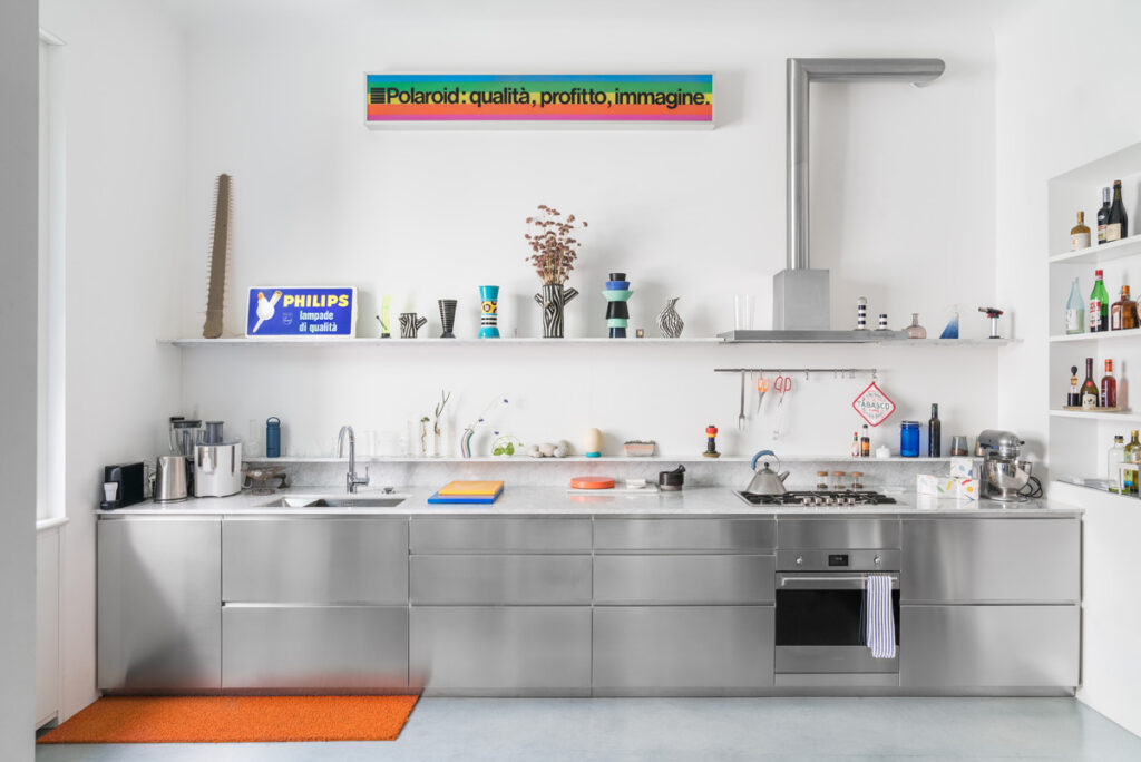 Linear modern kitchens: what are they? [Guide to choice]